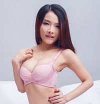 100% photo Korea New Girls Julie - escort in Dubai Photo 1 of 5
