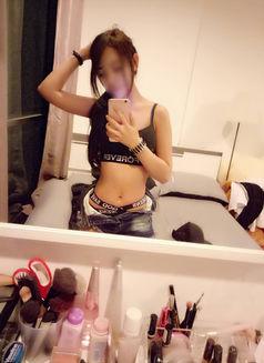 20 year old petite Kea - escort in Bangkok Photo 8 of 17