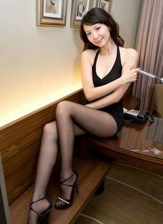 Susan - escort in Hangzhou Photo 2 of 2