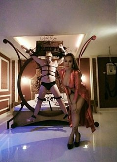 Ts-anne expert - Transsexual escort in Manila Photo 11 of 20