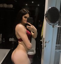 8 inch Sexy and Kinky TS Sophie - Transsexual escort in Dubai