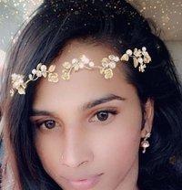 Aarti - Transsexual escort in Mumbai