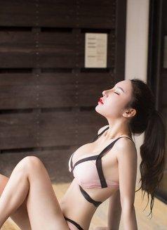 Abby - escort in Beijing Photo 3 of 4