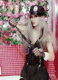 Abbychina - Transsexual escort in Beijing Photo 7 of 11