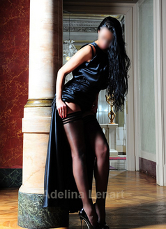 Adelina Lenart - escort in Milan Photo 20 of 22