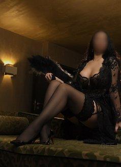 Adelina Lenart - companion in Milan Photo 27 of 28