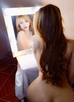 Aiko Sexy Love - Transsexual escort in Osaka Photo 5 of 22
