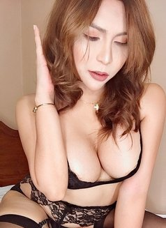 Aiko Sexy Love - Transsexual escort in Osaka Photo 12 of 22