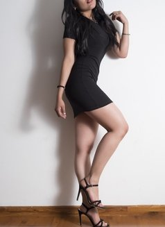 Alana - escort in Bogotá Photo 3 of 5