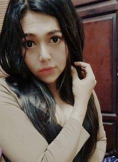 Alea Putry - Transsexual escort in Jakarta Photo 3 of 3