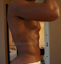 Alejandro Vontez - Male escort in Riyadh