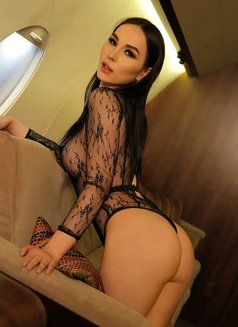 Aleksandra - Transsexual escort in Dubai Photo 1 of 12