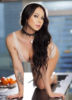 Aleksandra - Transsexual escort in Dubai Photo 11 of 12