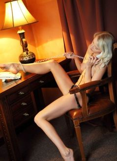 Alessandra - escort in Amsterdam Photo 5 of 6