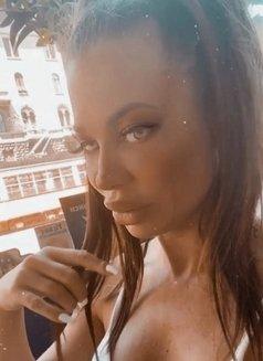 Alessya - escort in Dubai Photo 12 of 15