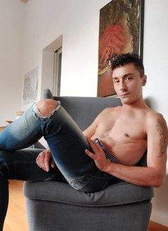 Alex Mancini - Male escort in Madrid Photo 4 of 8