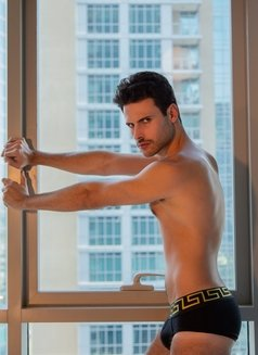 Alexandre Becker - Male escort in Madrid Photo 6 of 13