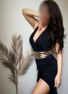 Alexia & Laura Dubai massages - masseuse in Dubai Photo 5 of 9