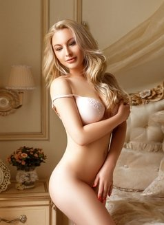 Alina Real Hot - escort in Dubai Photo 5 of 5
