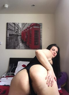 Alison Party Girl - escort in London Photo 1 of 3