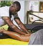 Allan - masseur in Nairobi Photo 3 of 5