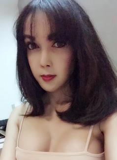 Alva - Transsexual escort in Shanghai Photo 3 of 15