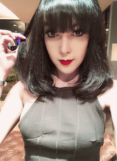 Alva - Transsexual escort in Shanghai Photo 7 of 15