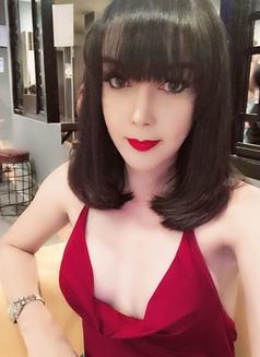 Alva - Transsexual escort in Shanghai Photo 10 of 15