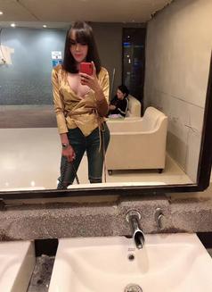 Alva - Transsexual escort in Shanghai Photo 15 of 15