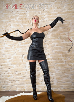 Amalie Von Stein - dominatrix in London Photo 12 of 18
