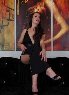 Amalie Von Stein - dominatrix in Florida Photo 7 of 12