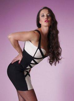 Amalie Von Stein - dominatrix in Florida Photo 12 of 12