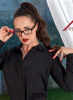 Amalie Von Stein - dominatrix in Palmas de Gran Canaria Photo 8 of 13
