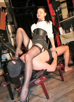 Amazing Mistress Dinah - dominatrix in Dubai Photo 10 of 30