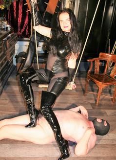 Amazing Mistress Dinah - dominatrix in Dubai Photo 16 of 30