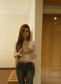 Amber Chaudhary Model - escort in Abu Dhabi Photo 2 of 6