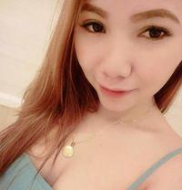Amber - escort in Manila