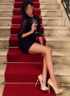 American Top Model Rose Swanson - escort in Dubai Photo 5 of 5