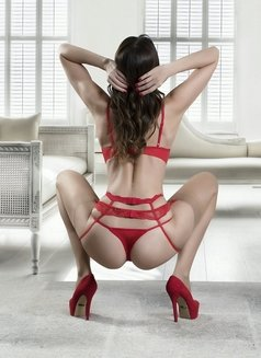 Amira - escort in Milan Photo 3 of 10