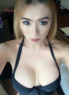Amor Megbeliz - Transsexual escort in Singapore Photo 1 of 15