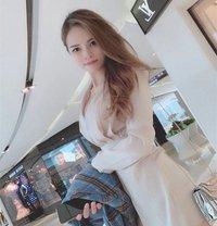 Amy - escort in Al Manama Photo 1 of 5