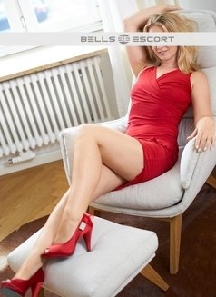 Anabell - escort in Munich Photo 1 of 4