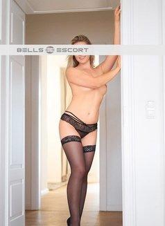Anabell - escort in Munich Photo 2 of 4