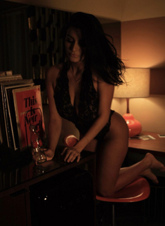 Anais Amsterdam Escort - escort in Dubai Photo 1 of 6