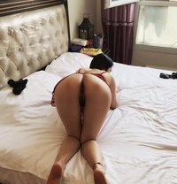 selling sexual pictures and video - escort in Melbourne