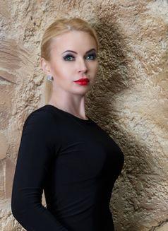 Anastasia - escort in Moscow Photo 4 of 10