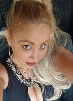 Andrea - escort in Bucharest Photo 1 of 5