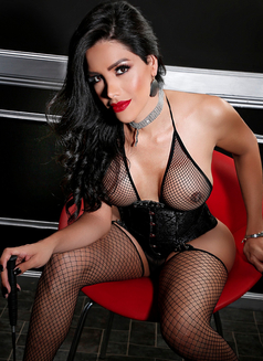 "Zusy for you ""Latína"" - Transsexual escort in Barcelona Photo 2 of 6"