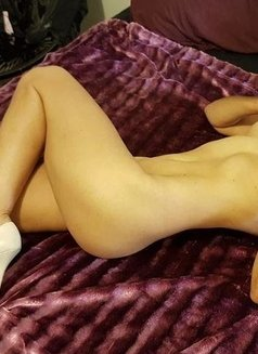 Angel Classy Mature - masseuse in Adelaide Photo 1 of 2
