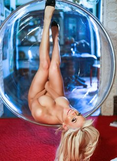 Angel Monroe Canada's Blonde Squirter - escort in Singapore Photo 8 of 14